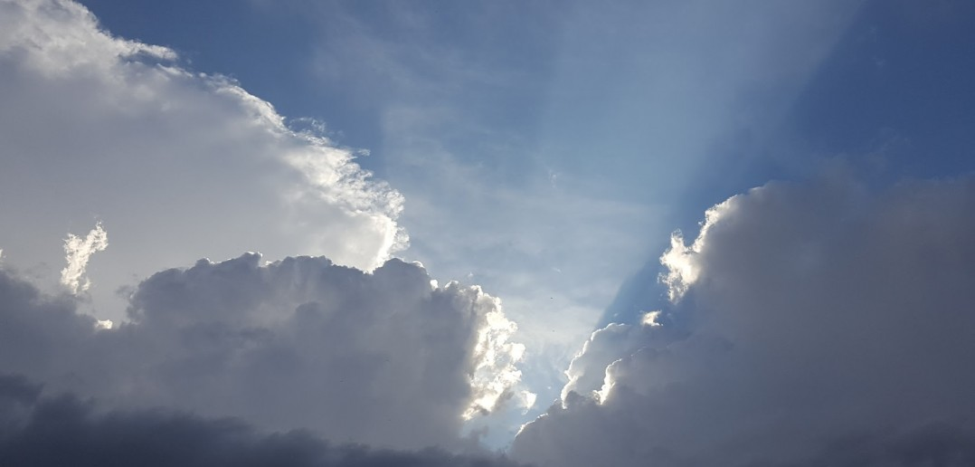 Cielo y nubes